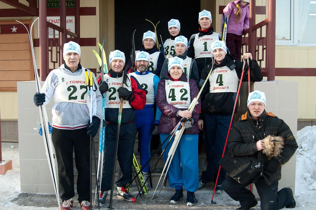 Команда ИМКЭС на лыжных соревнованиях среди институтов ТНЦ